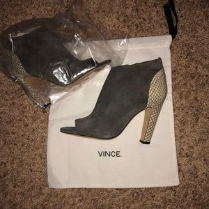 NEW Vince. Open-toe Bootie (Size 9M)